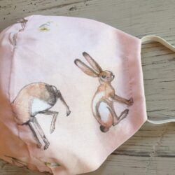 Age 6-10 yr pink Hare print mask